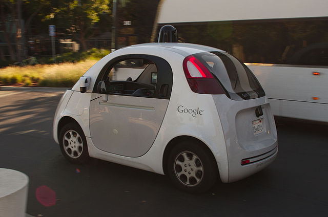640px-Google_self_driving_car_at_the_Googleplex
